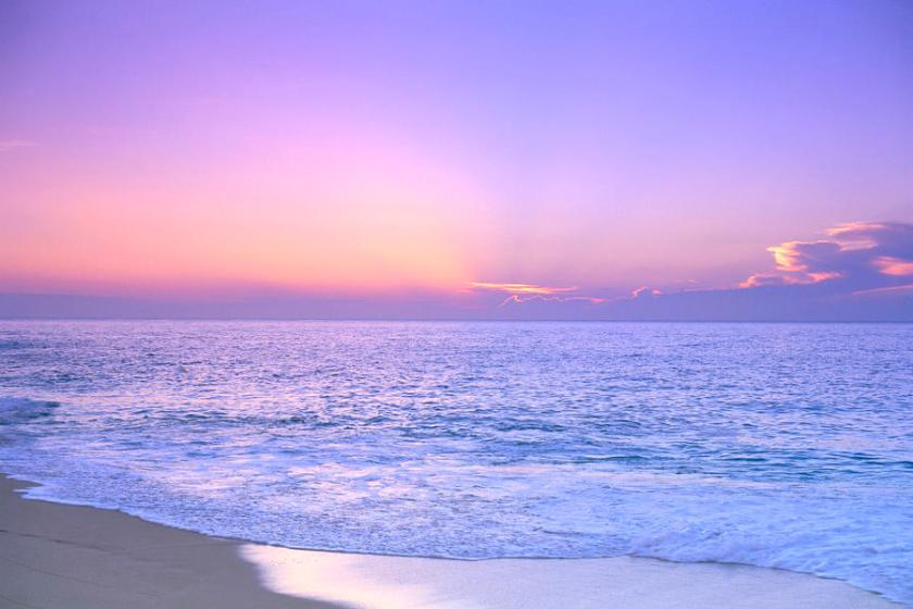 Lavender Sky With Hues Of Pink And Yellow, Shoreline Water To Ocean C1699